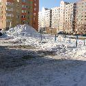 """Вместо асфальта на тротуаре снег, наледь и лёд. УК \""""Омск-Комфорт\"""" не выполняет свои обязанности. Пора создавать ТСЖ (ТСН). Дом на ул. Туполева, 19 (ул.Туполева,2), ул. Туполева, 19 (ул.Туполева,2), Сибгазстройдеталь : Омск"""