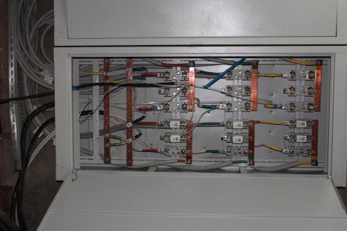 ВУ в подвале подключено от ТП кабелем тоньше чем идет на одну квартиру
