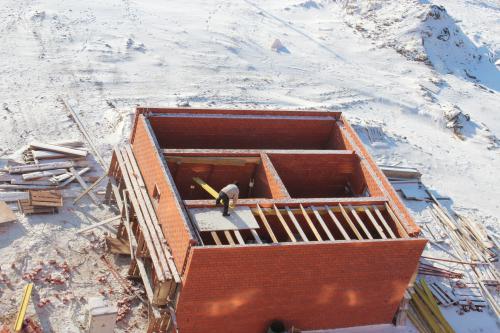 Галиб строит помещение под подстанцию уже 4 месяца