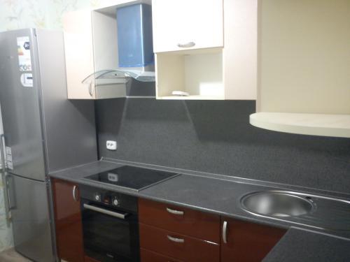 Кухня в двушке. МДФ металлик. 38400